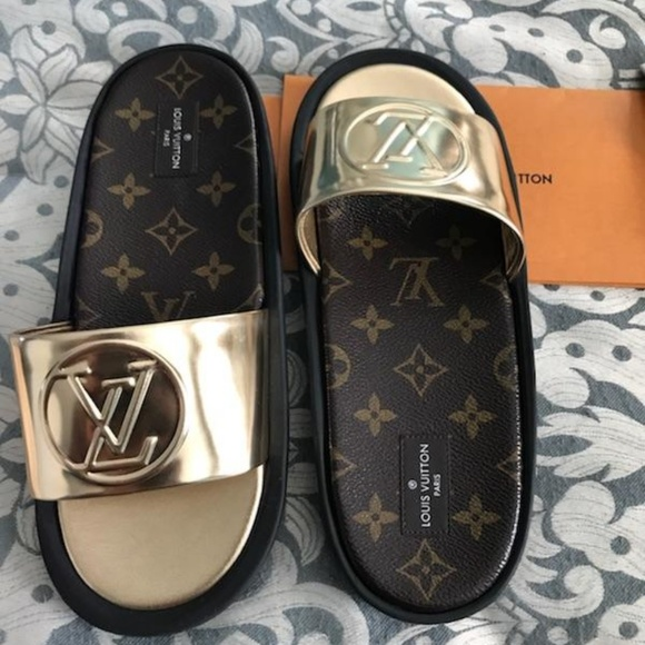 b6ae0234af Authentic Louis Vuitton Sunbath Flat Sandals NWT